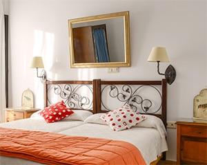 Habitaciones dobles estándar. Dos camas individuales pero la comodidad de tu casa en nuestra casa rural para que descanses
