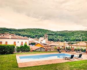 Piscina con vistas a Pasarón para disfrutar del verano. Un lujo para poder bañarse y disfrutar de un chapuzón y mojarse en el agua